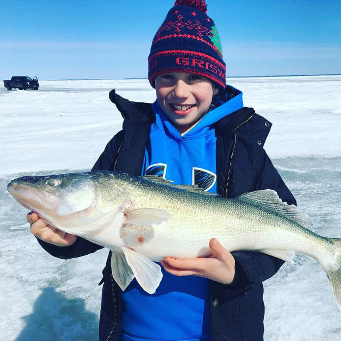 Walker's Adventures - Ice Fishing - Lake Winnipeg Fishing